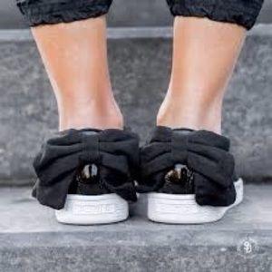 Women's puma bow back shoes size 10